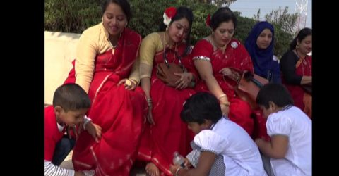 টাঙ্গাইলে মায়ের পা ধুয়ে ভালোবাসা দিবস পালন