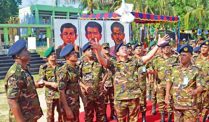 চট্টগ্রামে সেনাবাহিনীর সমরাস্ত্র প্রদর্শনী উদ্বোধন 1